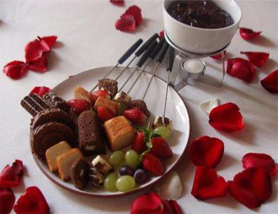 Mini bolinhos com fondue de chocolate e especiarias