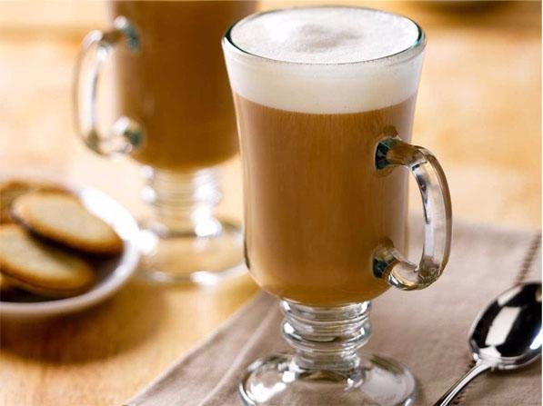 Chocolate quente com café e avelã