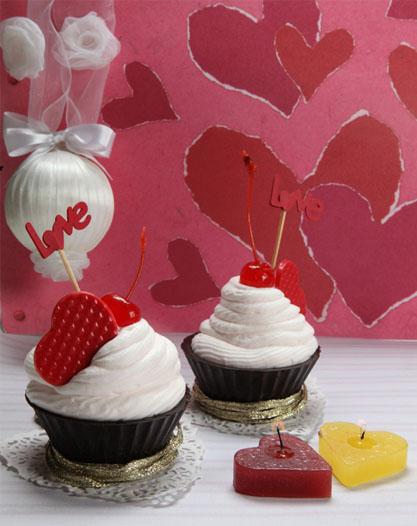 Cupcake de chocolate, proseco e cerejas