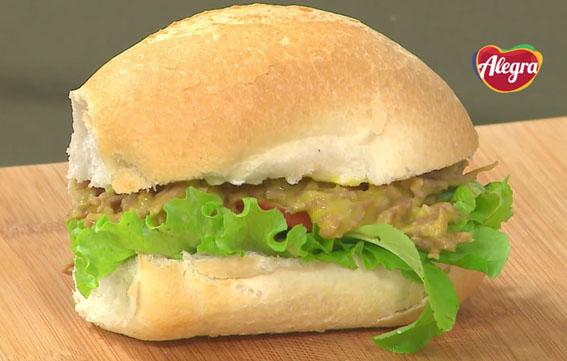 Sanduíche de lombo suíno