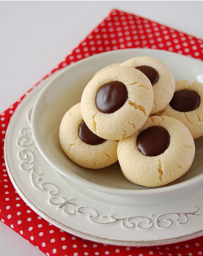 Biscoitinhos recheados de chocolate