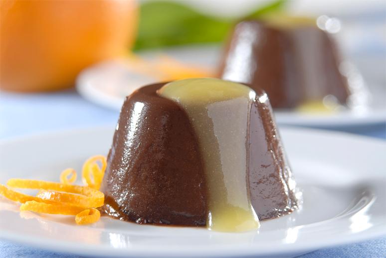 Pudim de Chocolate com Molho de Laranja