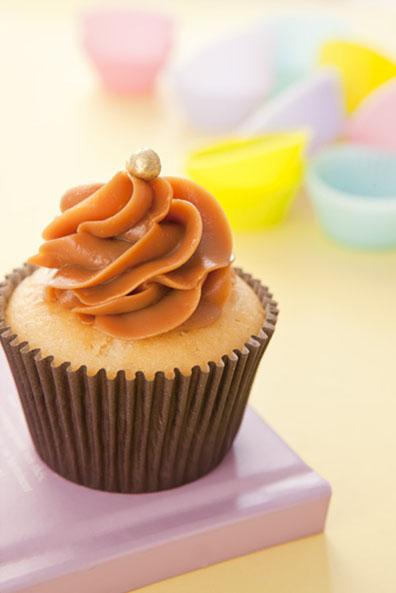 Cupcake com cobertura de doce de leite