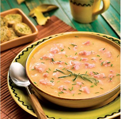 Sopa de Mandioca com Lingüiça Toscana