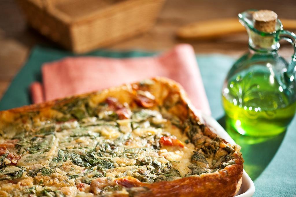 Torta de rúcula com tomate seco