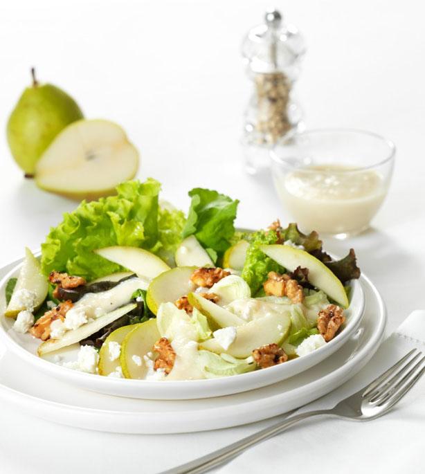 Salada de peras e nozes