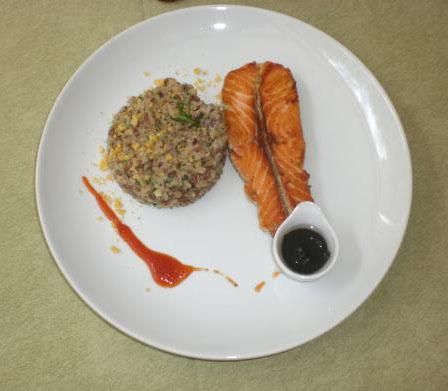 Jambalaya de Coco com Salmão e Con fit de Cebola