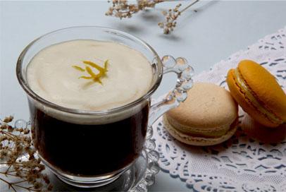 Café Quente Aromatizado com Laranja