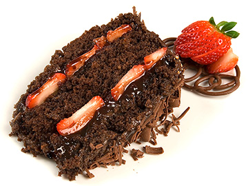 Bolo de chocolate com morangos (opção 2)