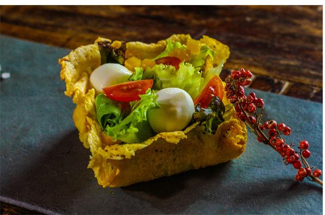 Salada Crocante com queijo Bocconcini Alla Panna DiBufalo