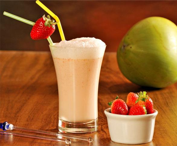 Smothie de água de coco e iogurte