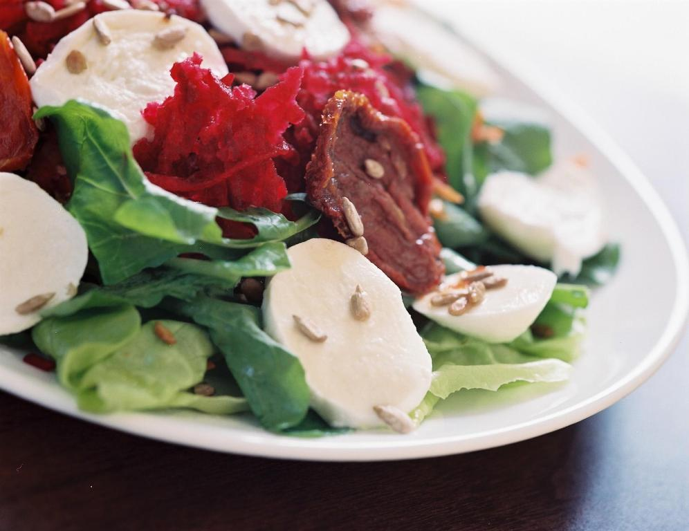 Salada com Semente de Girassol - Restaurante Arabesco
