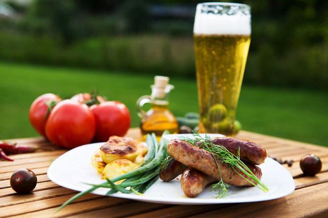 Aprenda a harmonizar a cerveja ideal com os pratos das ceias de fim de ano