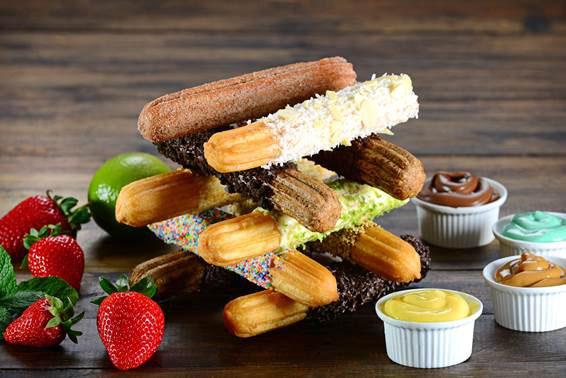 Três irresistíveis sobremesas feitas com churros