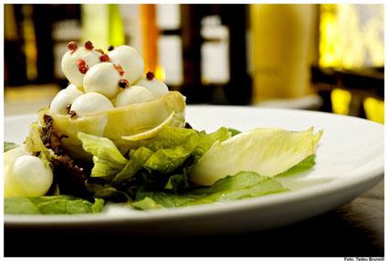 Piselli Jardins oferece opções de saladas saborosas para o verão