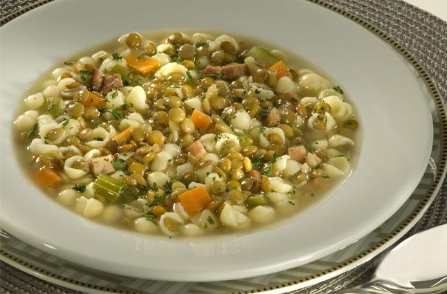 Aproveite as baixas temperaturas e experimente uma sopa muito saborosa