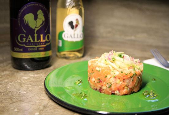 Gallo e MasterChef ensinam a preparar um delicioso tartar de salmão